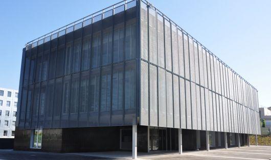 fachadas-metalicas-modernas