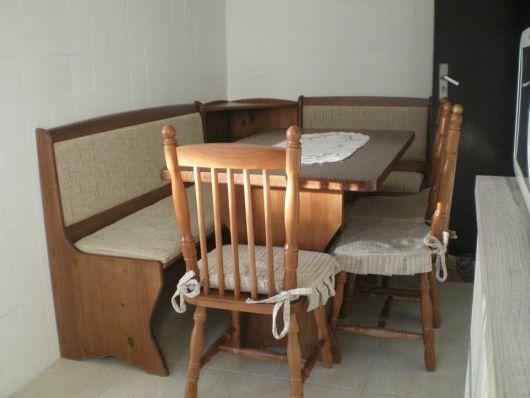 mesa-com-banco-de-madeira-1