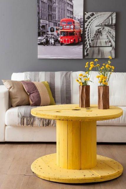 decoração amarela e cinza