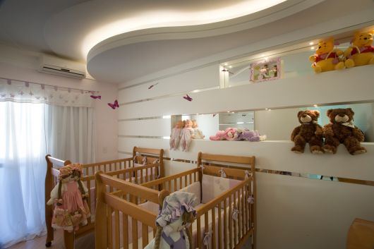 nichos-para-quarto-de-bebe-com-espelho-2