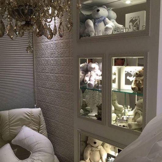 nichos-para-quarto-de-bebe-com-espelho