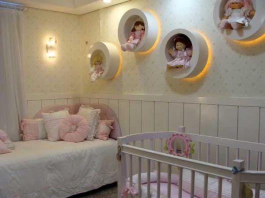 nichos-para-quarto-de-bebe-iluminado-3