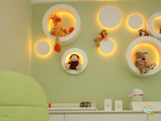 nichos-para-quarto-de-bebe-iluminado-4