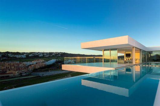piscinas-de-luxo-borda-infinita