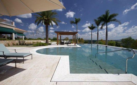 piscinas-de-luxo-interna-como-e