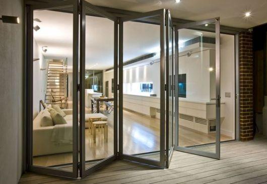 porta de vidro e alumínio