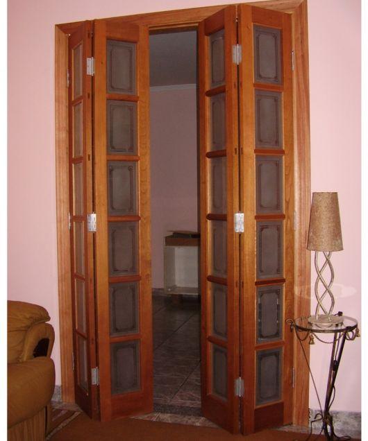 modelo de madeira e vidro