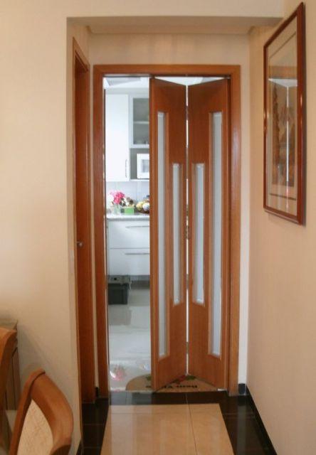 porta de madeira com vidro jateado