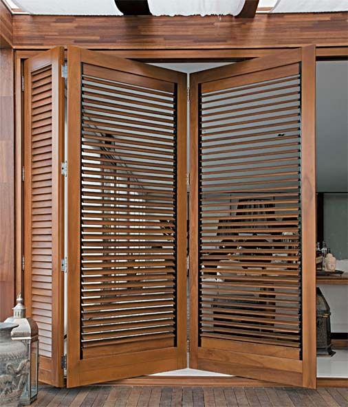 porta de madeira articualada
