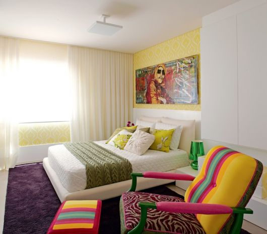 quadros-coloridos-para-quarto-na-cabeceira-3