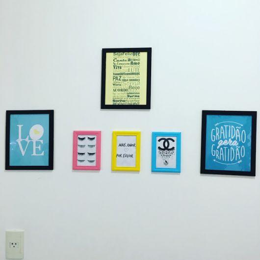 quadros-coloridos-para-sala-com-frases-ideias
