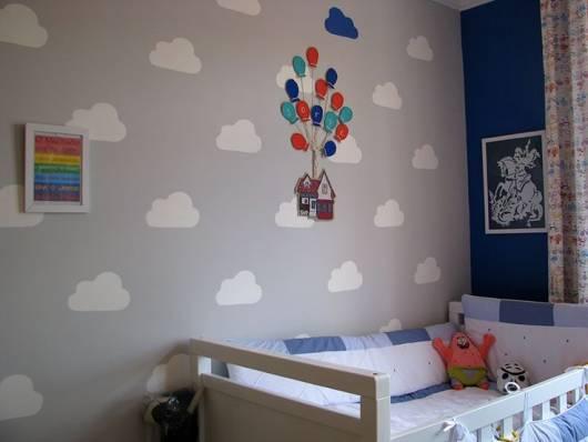 quarto-de-bebe-cinza-com-nuvens-2
