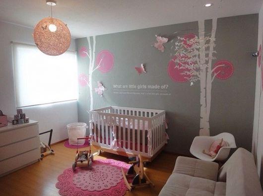 quarto-de-bebe-cinza-e-rosa-2