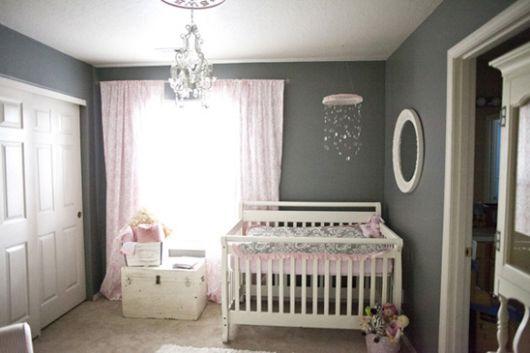 quarto-de-bebe-cinza-e-rosa-3