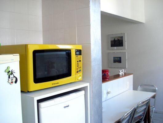 adesivo-para-cozinha-microondas-amarelo