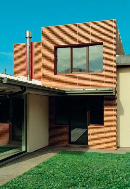 fachada-ventilada-ripado-de-madeira-residencia
