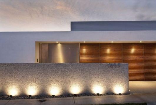 fachadas-de-muros-com-textura-chique