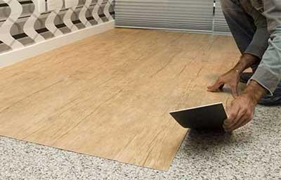 adesivo-para-piso-sala-madeira