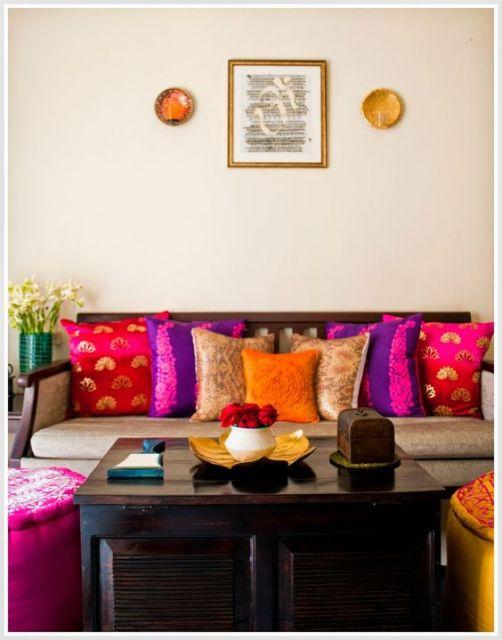 decoração colorida e dourada