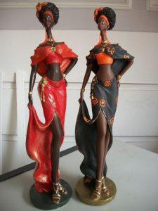 esculturas de gesso negras