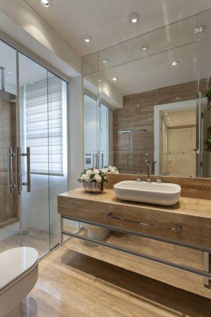 banheiro com mármpre
