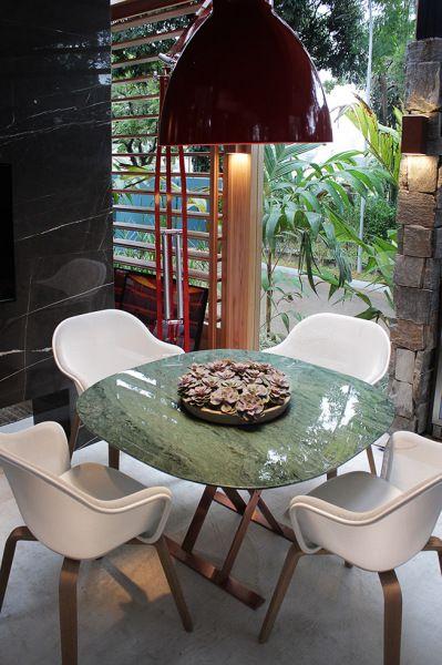 mesa de mármore verde