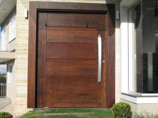 porta de madeira entrada