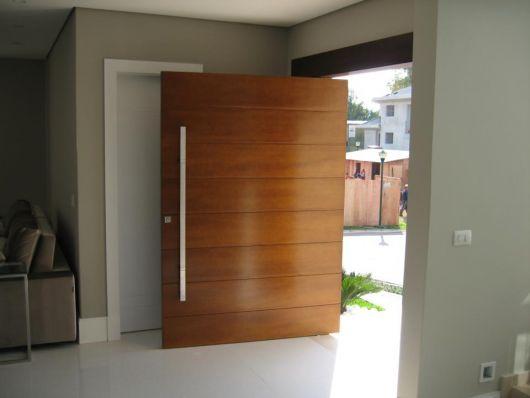 porta pivotante grande