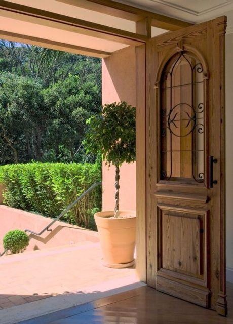 porta de madeira e ferro