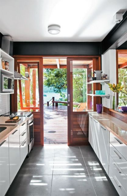 cozinha com porta de correr