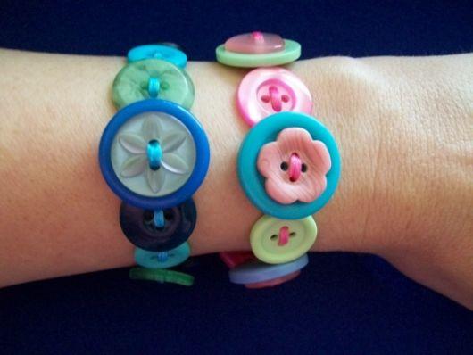 artesanato-com-botoes-pulseira