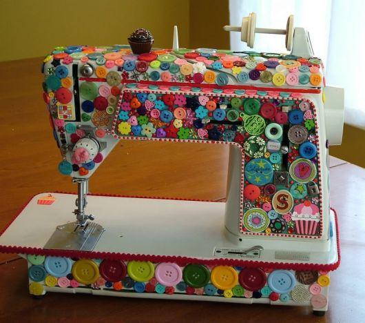 artesanato-com-botoes-maquina-de-costura