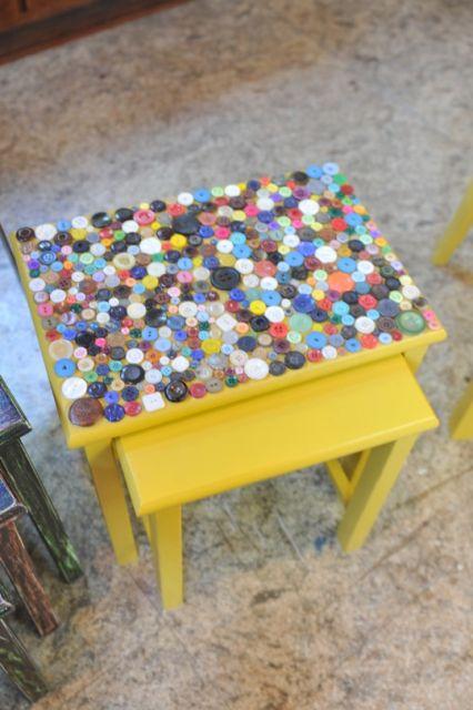 artesanato-com-botoes-mesinha