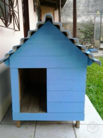 casinha com telhado de eternit