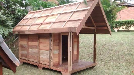 casinha grande com varanda