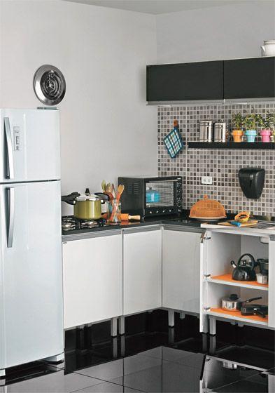 projeto cozinha preta e branca