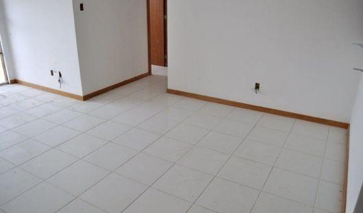 piso cerâmico