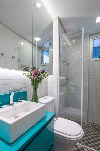 bancada colorida banheiro