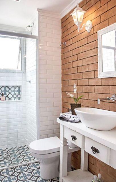 banheiro com arandela