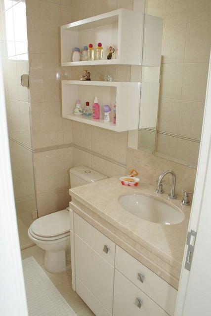banheiro simples com nichos