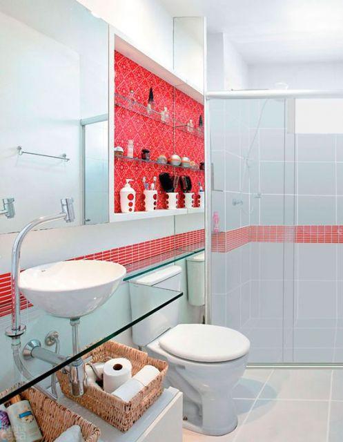 banheiro simples vermelho e branco