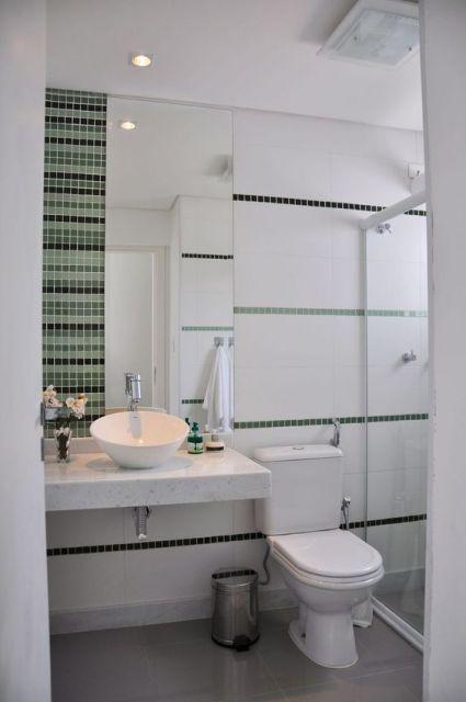 banheiro decorado com pastilha verde