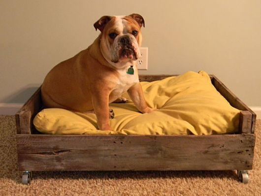 cama de reaproveitamento de madeira