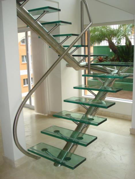 escada moderna inox