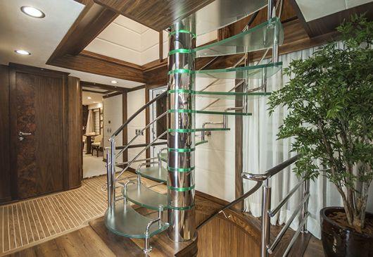 escada com torre