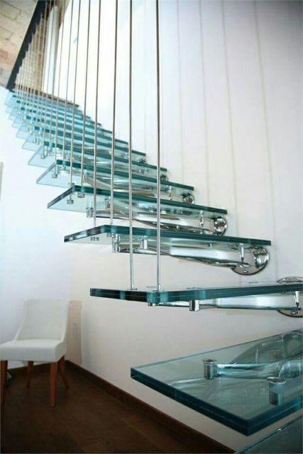 escada moderno com inox