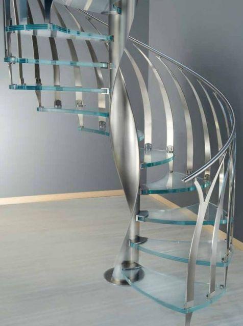 escada helicoidal com aço inox