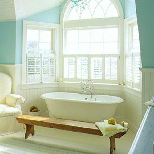 banheira embaixo de bay window