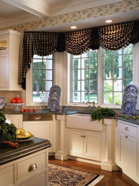 pia da cozinha embaixo de bay window