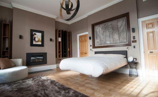cama flutuante em decoração moderna